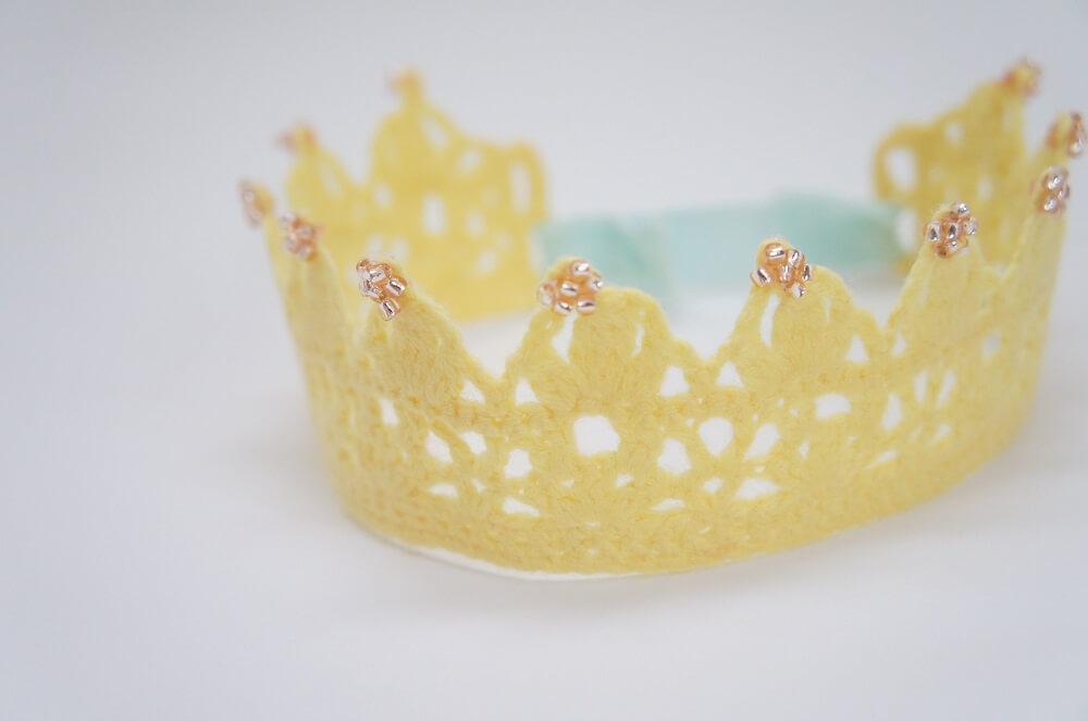 ニューボーンフォトの衣装にオススメの王冠の画像