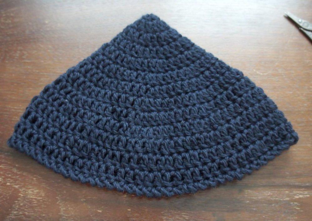 かぎ針編みで作るさんかく帽子