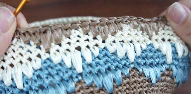 エコアンダリヤで編んだひし形の模様編みの画像