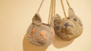 細編みだけで作るどうぶつポシェットのネコ