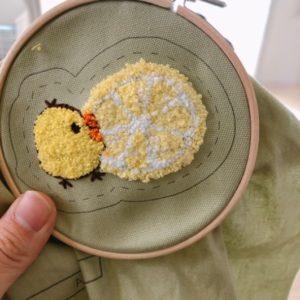 フェリシモの刺繍キットでフリーステッチングニードル刺繍をした画像